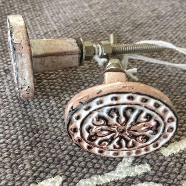 Metalgreb - oval med dekoration - antik pudder