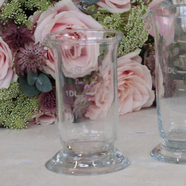 Fransk glas med måleangivelse