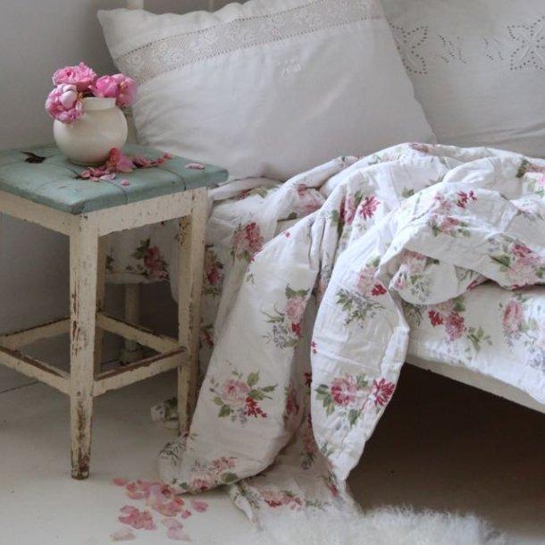 Blomstret quilt - tefarvet bundfarve