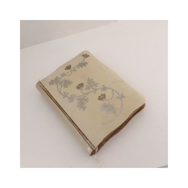 LOPPEFUND : Religiøs bog med hardcover
