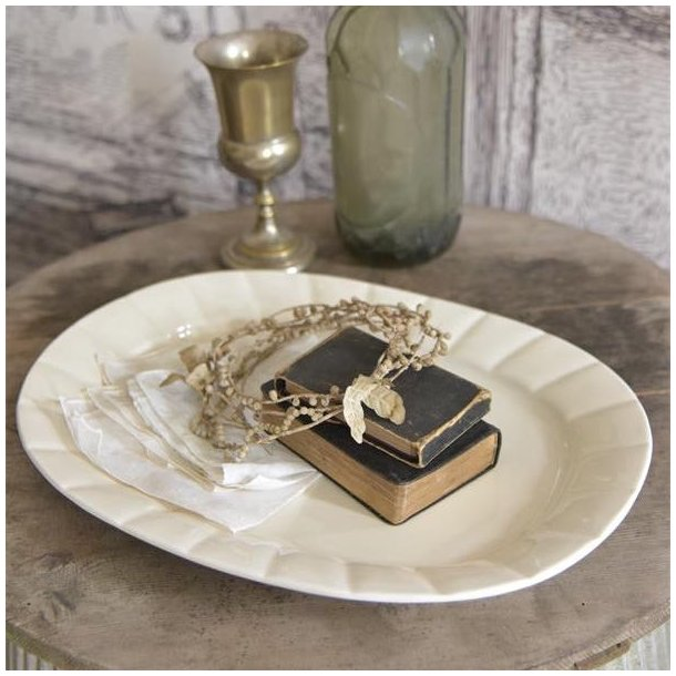 Fad i cremehvid porcelæn - stort - med patina