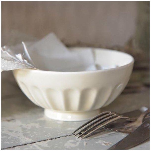 Skål i cremehvid porcelæn - rillet