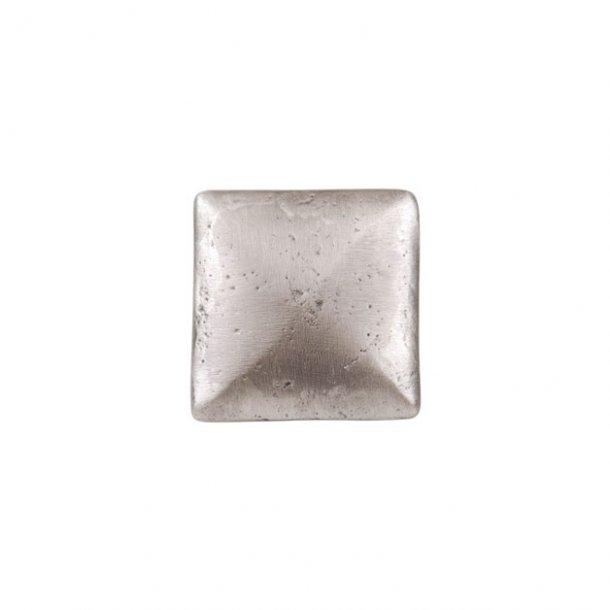 Greb i metal - med mørk patina - firkantet