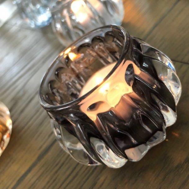 Glasstage i mørk grå til fyrfadslys