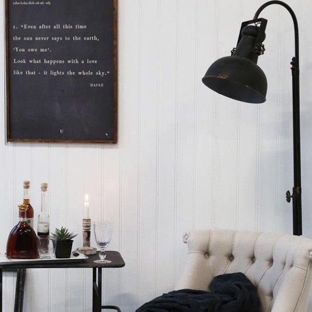 Gulvlampe i factory vintage stil - industriel stil i din bolig