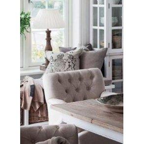 Møbler, hylder mm.