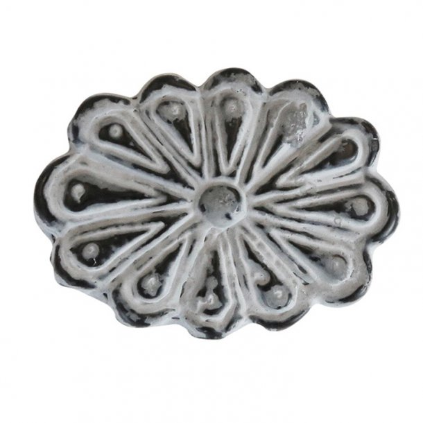 Håndlavet metalgreb i en smuk grå farve med super fin patina